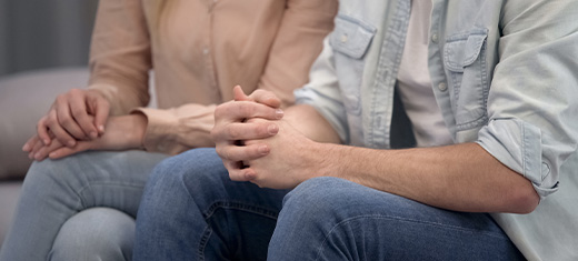 couple learning what to expect from divorce mediation